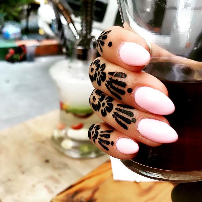Manicure Pedicure Κολωνάκι